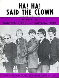 Klaus Voormann (center) during his stint as Manfred Mann bassist in the late 1960s.